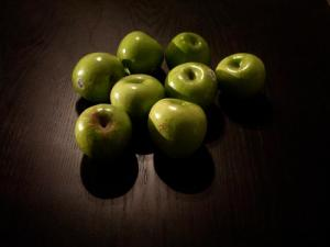 Granny Smiths (Used with permission of Nicole Gustas.)