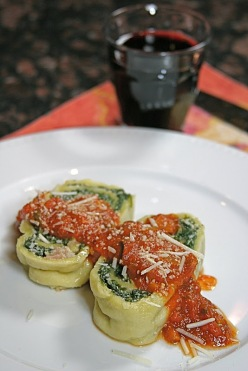 Pasta spinach roll