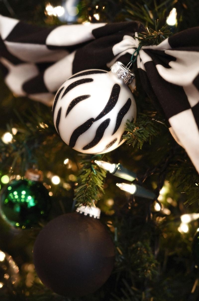 Black & white ornaments
