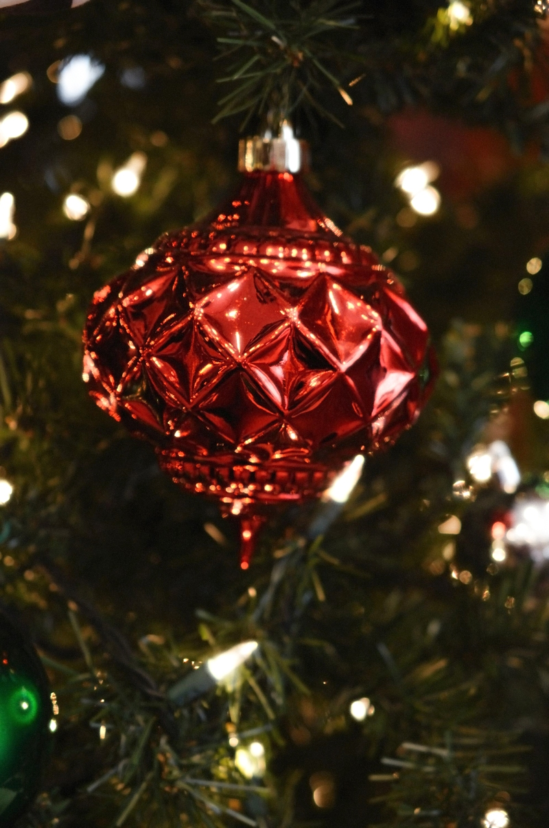 Red ornament diffuse glow