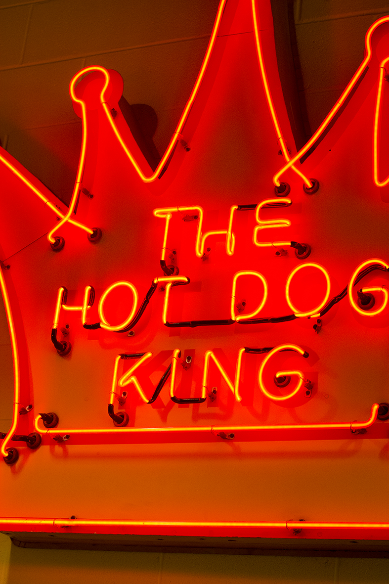 Hot dog king sign rs